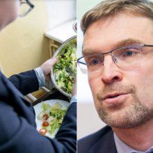 Ministras siūlo visus priešmokyklinukus ir pirmokus maitinti nemokamai