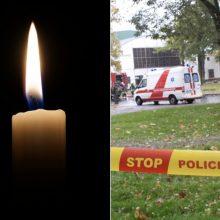 Šalia daugiabučio Vilniuje rasta sužalota mirusi moteris