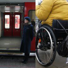 Pasigedo argumentų, kodėl traukiniai neįgaliesiems nepritaikyti laiku
