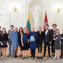Viktorinos nugalėtojus apdovanojo prezidentė