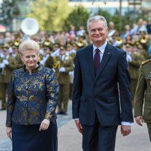 G. Nausėda pasveikino karinį paradą: pilietiški žmonės – saugumo garantas