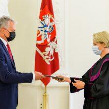 Prezidentas priėmė aštuonių naujai paskirtų teisėjų priesaikas