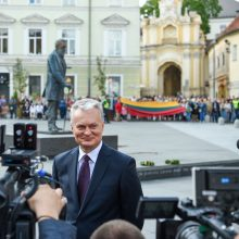 Žmonės renkasi pasveikinti G. Nausėdą: tikisi, kad naujas prezidentas nenuvils