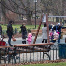 Šeimų atstovai prašo Seimo neleisti paimti vaikų be reikšmingos priežasties