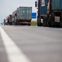 Vežėjų atstovai: Lietuvos vežėjus Lenkijoje pasitinka mokesčių lengvatos