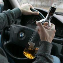 Girti ir įsiutę: klaipėdietis su BMW spruko nuo policijos