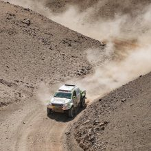 V. Žalos ekipažas Dakaro greičio ruožą baigė be sveikų atsarginių ratų