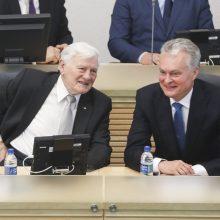 V. Adamkus: D. Grybauskaitės dešimtmetį vertinu teigiamai, bet bangavimų buvo