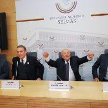 Spjovė į  R. Žemaitaičio nuomonę: naujos partijos lyderiu siūlo A. Juozaitį