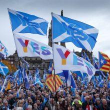 Tūkstantinė minia Škotijoje dalyvavo eitynėse už nepriklausomybę