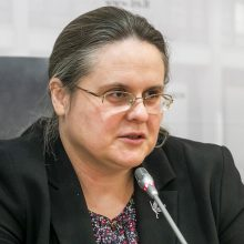 A. Širinskienė kritikuoja prezidento patarėjų darbą: žmones privertė naktį dirbti