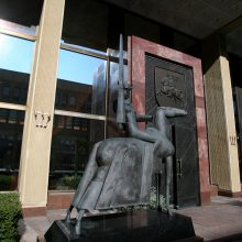 Vilniečiams ir sostinės svečiams atveriamas Seimo rūmų Didysis kiemas