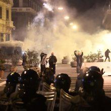 Italijoje protesto akcija prieš ribojimus virto susirėmimais su policija