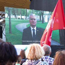 """Prezidentūra: G. Nausėda sveikino ne """"maršo"""" dalyvius, o visas šeimas"""