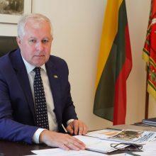 Dėl migrantų krizės suplanuotas atostogas atšaukė ir ministras A. Anušauskas