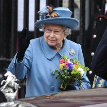 Karalienei Elžbietai kilo sveikatos problemų: mažinamas monarchės darbo krūvis