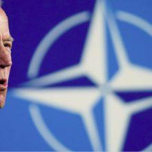 J. Bidenas žada nustatyti raudonas linijas V. Putinui