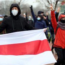 Aukas baltarusiams Lietuvoje rinkusi verslininkė pelnėsi iš jų apgyvendinimo