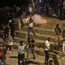 Jeruzalėje – nauji susirėmimai: guminėmis kulkomis sužeista dešimtys žmonių