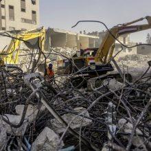 Izraelis atsakė į padegamųjų balionų atakas: smogė iš oro Gazos Ruožui
