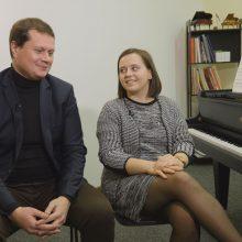 Dainininko K. Kerbedžio dukros meilės istorija – lyg iš filmo