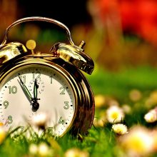 Reikėjo pasukti laikrodžius: iki spalio gyvensime vasaros laiku