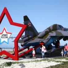 NATO naikintuvai keturiskart kilo lydėti Rusijos karinių orlaivių
