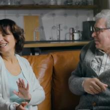 MRU reklaminėje kampanijoje – gyvenimą švenčiantys tėvai