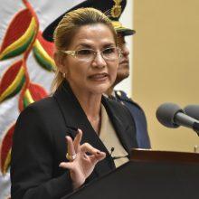 Bolivijos laikinoji prezidentė sako užsikrėtusi koronavirusu