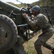 """Tęsiantis konfliktui Kalnų Karabache apšaudyti televizijos """"Euronews"""" žurnalistai"""