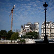 Atnaujinami Paryžiaus Dievo Motinos katedros atstatymo darbai