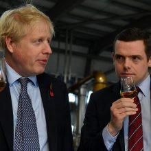 Atsistatydino Jungtinės Karalystės ministras D. Rossas