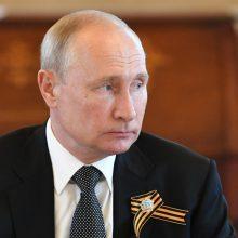 """V. Putinas: Rusija pageidauja """"stabilios"""" Baltarusijos"""