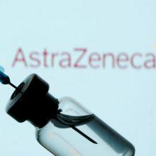 """Rekomenduoja """"AstraZeneca"""" vakcina skiepyti tik jaunesnius nei 65 metų žmones"""