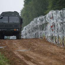 Lenkija įspėja potencialius migrantus, kad jos sienos – uždarytos