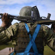 J. Borrellis: aplink Ukrainą ir Kryme sutelkta per 150 tūkst. rusų karių