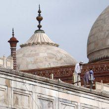 Indijoje prasiautusi audra apgadino legendinį Tadž Mahalą