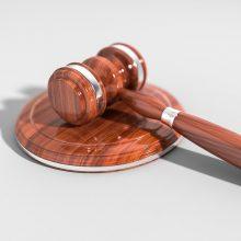 Buvusi pareigūnė išteisinta dėl melagingų parodymų davimo byloje
