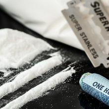 Kinijoje už prekybą narkotikais ir jų gamybą myriop nuteistas dar vienas kanadietis