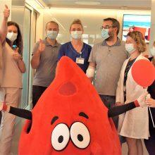 Santaros klinikose – sveikinimai Garbės donoro vardą gavusiems donorams