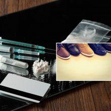 Narkotikus į Alytaus pataisos namus nuteistasis nešėsi batuose: rasta ir švirkštų