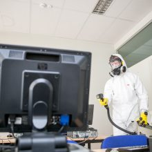 Dezinfekcinis rūkas skleidžiamas ir mokymo įstaigose