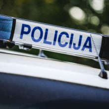 Jurbarko rajone nuo kelio nuvažiavo ir apvirto automobilis: žuvo jaunas vyras