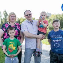 Kauniečių šeima Rugsėjo 1-osios džiaugsmą daugina iš keturių