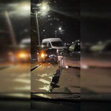 """Aleksote – """"Opel"""" ir BMW avarija: vienam žmogui prireikė medikų pagalbos"""