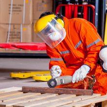 Pramonės ir statybų sektoriai vis dar jaučia kvalifikuotos darbo jėgos trūkumą