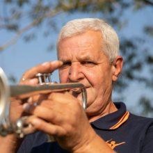 """""""Aukso paukštę"""" pelniusio """"Algupio"""" vadovas: apie įvertinimą ir kodėl orkestre nėra moterų"""