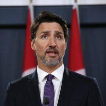JAV ir Kanados siena bus uždaryta dar mėnesį