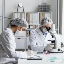 Vyriausybė siūlo dešimtadaliu didinti mokslininkų atlyginimus