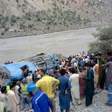 Kinija: dvylika gyvybių nusinešusi autobuso avarija Pakistane buvo sprogdinimas